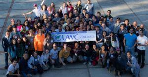 Cronica.Uno: Estudiantes de bachillerato podrán optar por becas para estudiar en el extranjero