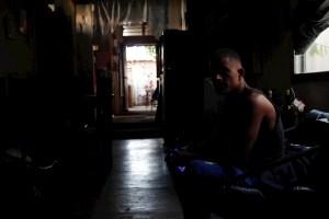 Reportan frecuentes bajones de luz en Caracas #20Feb