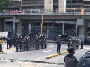 Colectivos amedrentaron la marcha de Guaidó con disparos #21Sep (video)
