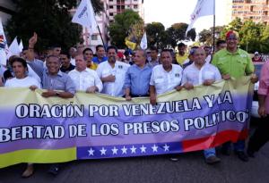 """Rosales acompañó a Edgar Zambrano a una """"Caminata por la paz"""" en Zulia (Fotos)"""