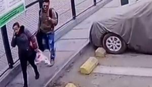 ¡Se llevaron hasta el papel higiénico! Venezolanos fueron captados robando apartamentos en Lima (Video)
