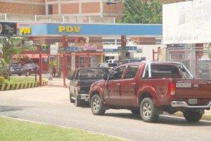 """UNT Aragua: La """"pandemia de la gasolina"""" paraliza la producción en Venezuela"""