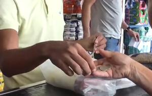 Venezolanos viajan de Caracas a Cúcuta para comprar alimentos y medicinas (Video)