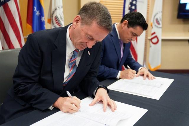 El presidente Donald Trump firmó acuerdo con encargados de Guaidó por 98 millones de dólares. Imagen cortesía.