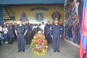 Santa Rita rinde homenaje al bombero que murió picado por abejas africanas (Fotos)