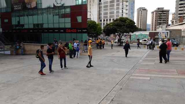 Caracas se une a la protesta contra los apagones, escasez y crisis aguda en Zulia (FOTOS) 4
