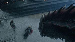 """Material extra de """"Game of Thrones"""" revela qué hizo Drogon con el cuerpo de Khaleesi"""
