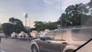 La fauna represora del régimen amaneció en Plaza Venezuela #21Nov (VIDEO)