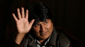 Evo Morales parte rumbo a México
