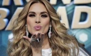 """""""Ricos senos"""": La FOTO más sexy de Galilea Montijo sin sostén"""
