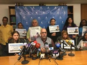 Familiares de presos políticos en Venezuela piden liberaciones antes de la Navidad