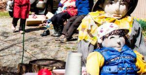 El espeluznante pueblo japonés donde muñecos reemplazan a la gente que ya no vive allí (Fotos)