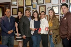 Colgate reconoce a los mejores odontólogos egresados de la UCV