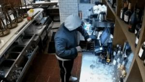 Ola de robos alarma a negocios en Manhattan