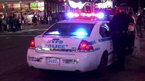 Hombre golpeó y amenazó a su novia con un cuchillo en Nueva York