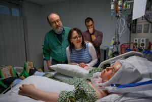 La historia detrás de la foto IMPACTANTE del trasplante de rostro de Katie Stubblefield