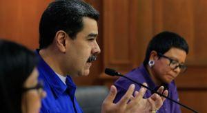 """Maduro pide cacao al Papa Francisco después de arremeter contra la Iglesia en su """"Memoria y Cuento"""""""