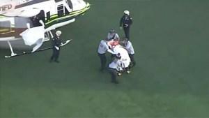 Bombero de Miami-Dade fue trasladado en avión al hospital después de caerse por el hueco del ascensor