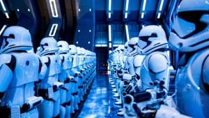 Miles se desvelan para ver la nueva atracción de Star Wars Land en Disneyland
