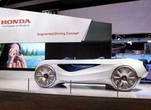 La forma en que Honda reinventó el volante para transformarlo en un elemento futurista (Fotos)