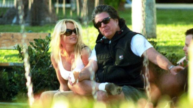 Resultado de imagen para pamela anderson y esposo