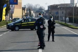 Contagiados por coronavirus en Italia superan los 350, entre ellos 4 menores
