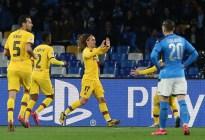 Griezmann dejó con vida al Barcelona en su duelo contra el Napoli en la Champions