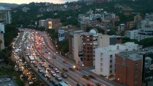 Concejal de Baruta recomendó precaución tras enfrentamiento en la autopista Prados del Este (Video)