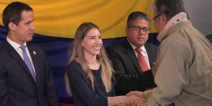 Fabiana Rosales celebró ética y compromiso de los periodistas por decir la verdad