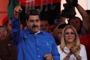 """""""La regañé"""": Maduro criticó a Cilia por no cuidar el distanciamiento en campaña"""