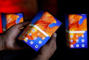 Huawei lanza teléfono plegable Mate XS con mejor pantalla