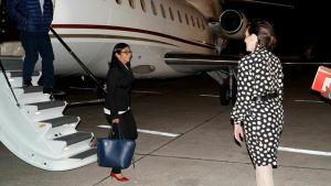 La embajada venezolana se llevó 40 maletas del avión de Delcy Eloína en Barajas