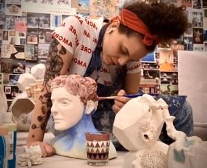 La venezolana Bárbara Pecorrelli dona pieza de arte a ciudad Doral