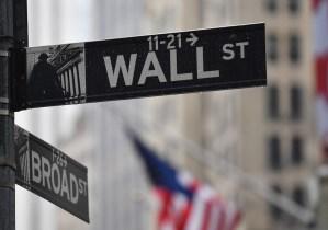 Wall Street termina dispar en mercado atento a desempleo y tensiones entre EEUU y China