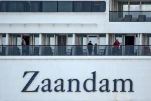 """""""Nos tienen incomunicados, tenemos miedo"""", dijo un pasajero en el crucero con cuatro muertos"""
