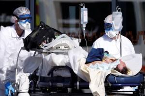 Francia sufre 299 muertes por coronavirus en 24 horas y se acerca a las 2.000 defunciones