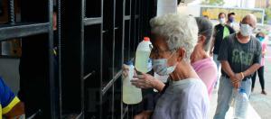 Como la espuma: Precios de detergentes siguen en alza