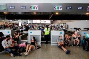 Argentina prohíbe despidos y extiende cierre de fronteras