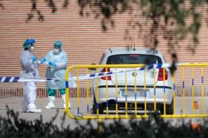 """Gobierno irlandés cree estar en """"buen camino"""" para frenar el coronavirus"""