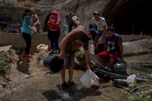 """La electricidad, el internet y el agua son el """"dolor de cabeza"""" de los venezolanos"""