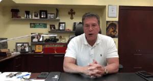 Alcalde Carlos Hernández anuncia toque de queda en Hialeah
