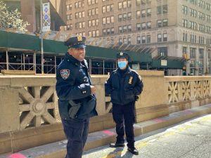 Multarán con $500 a quien viole norma de distanciamiento social por coronavirus en NYC