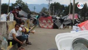 """""""Ayuda para llegar a Cúcuta"""": Venezolanos arman improvisado campamento para regresar a su país"""