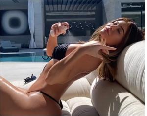 "EN CÁMARA LENTA: Kylie Jenner presume su ""microscópico"" bikini  (VIDEO)"