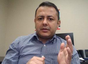 Andrés Arellanos: No se dejen engañar, el único responsable de la escasez de gasolina es Maduro