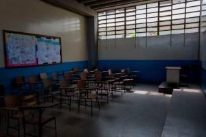 """La educación venezolana está en crisis y """"no se resuelve con un barniz, denuncian docentes"""