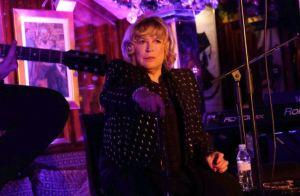 La cantante Marianne Faithfull fue hospitalizada tras contraer el coronavirus