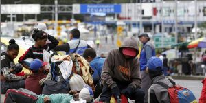 """""""Maduro impide que volvamos"""", dicen los venezolanos atrapados en la frontera"""