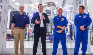 Astronautas llegaron a Florida a una semana del primer vuelo tripulado por la Nasa y SpaceX