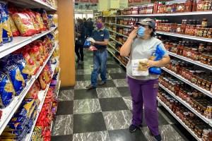 Aumento del dólar paralelo dispara el precio de alimentos y pulveriza aún más el salario mínimo del venezolano